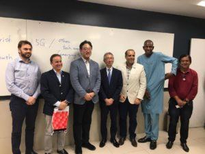 Corpo consular de Pernambuco e representantes da UniFBV com o palestrante japonês.